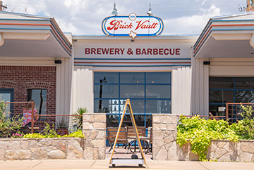 Front view of Brick Vault Brewery and Barbecue.